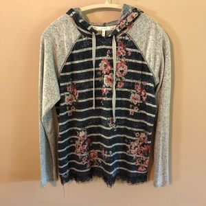New Maurices floral lightweight pullover